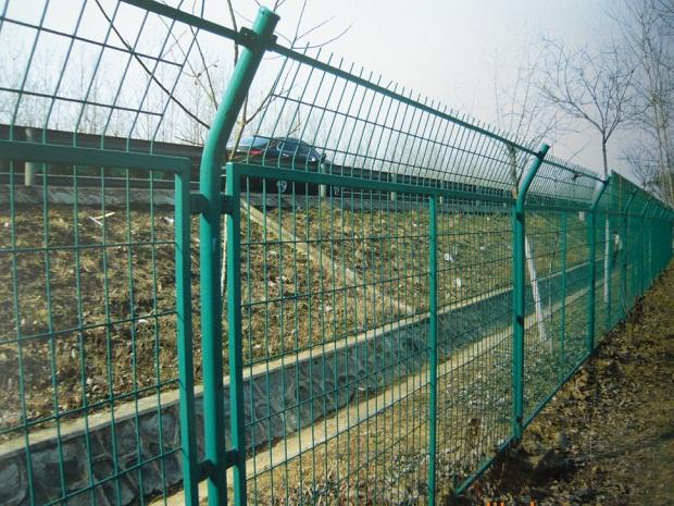 高速公路护栏网2.jpg