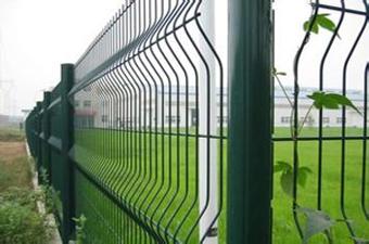 桃形立柱护栏网-01