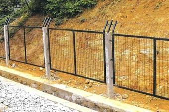 铁路护栏网-01
