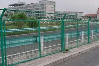高速公路护栏网-04
