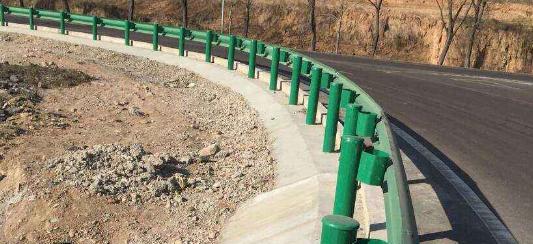 高速公路护栏波形护栏