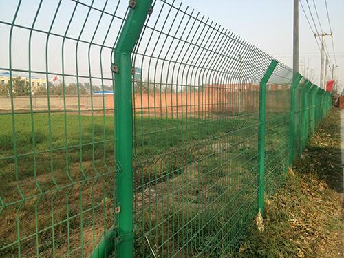 铁丝网围栏