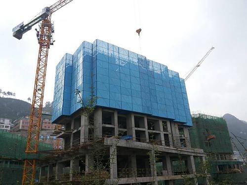 天津商贸中心爬架网工程案例